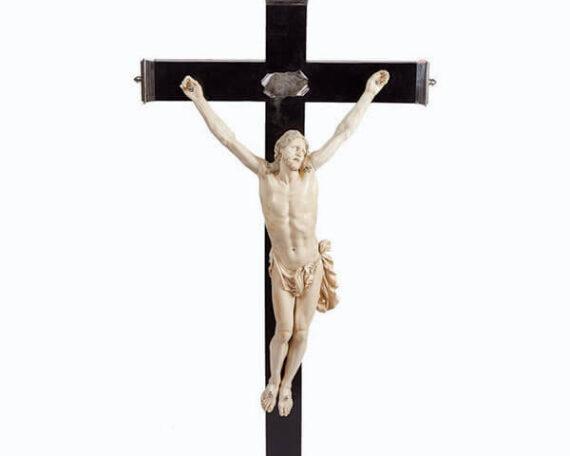 Crucificado de marfil